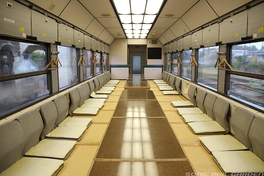 http://sonicrailgarden.sakura.ne.jp/seat_485nanohana/002.jpg